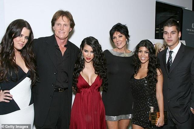 Kim Kardashian gây sốc khi tuyên bố cả nhà dừng quay show truyền hình - 5