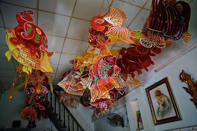 Làng nghề lồng đèn lớn nhất Sài Gòn đìu hiu vì dịch Covid-19 - 13