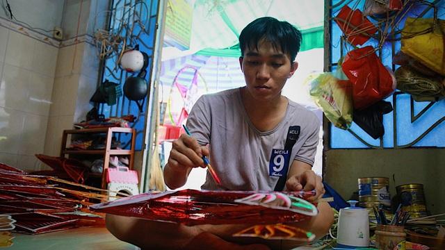 Làng nghề lồng đèn lớn nhất Sài Gòn đìu hiu vì dịch Covid-19 - 3