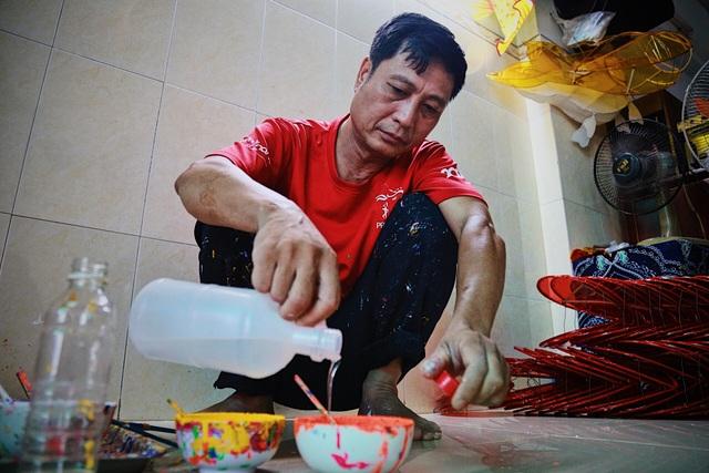 Làng nghề lồng đèn lớn nhất Sài Gòn đìu hiu vì dịch Covid-19 - 5