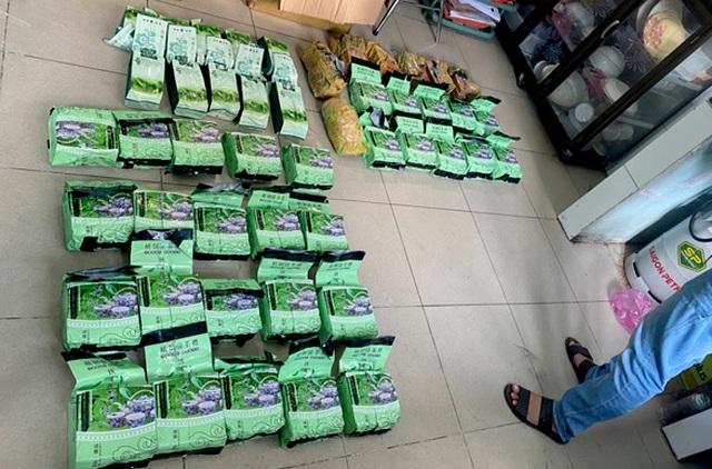 Phá đường dây ngụy trang ma túy trong thùng trái cây từ Campuchia về TPHCM - 2
