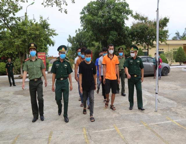 Triệt phá đường dây đưa người trốn sang Trung Quốc trái phép - 1