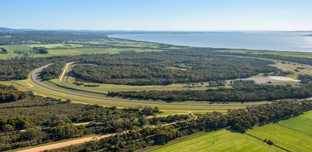 Vinfast mua trung tâm thử nghiệm xe của GM tại Australia - 2
