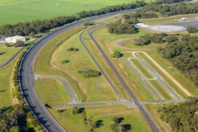 Vinfast mua trung tâm thử nghiệm xe của GM tại Australia - 3