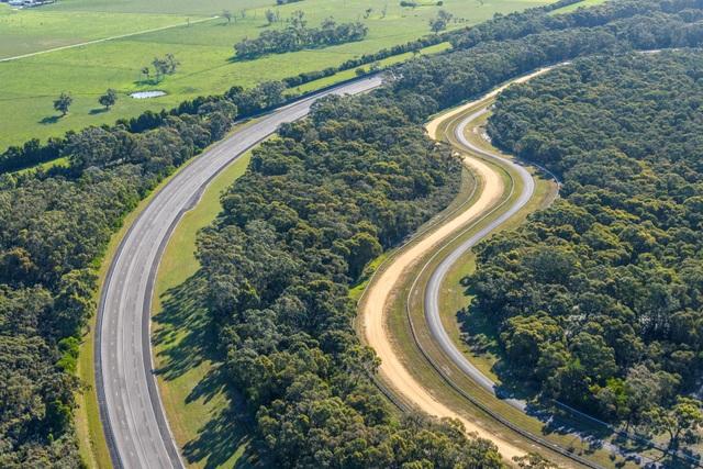 Vinfast mua trung tâm thử nghiệm xe của GM tại Australia - 4