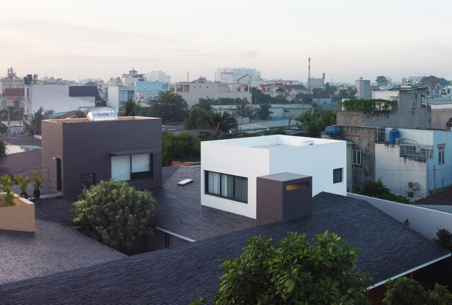 """""""Ốc đảo xanh"""" ẩn mình giữa 8 khối nhà trong căn biệt thự 1000m2 ở Sài Gòn - 2"""