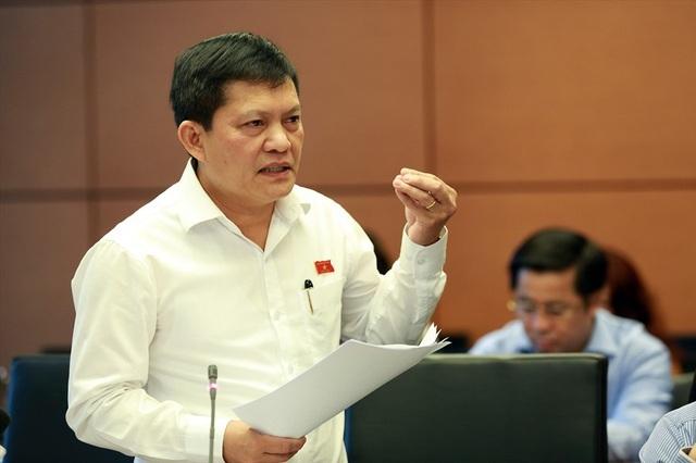 Cho ông Phạm Phú Quốc thôi việc trong tháng 9 - 2