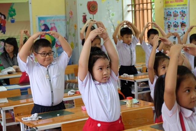 Buổi học đầu tiên của học sinh lớp 1 mới ra sao? - 1