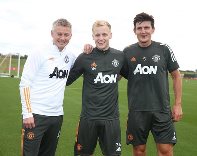 Van De Beek tràn đầy hưng phấn trong buổi tập đầu với Man Utd - 3