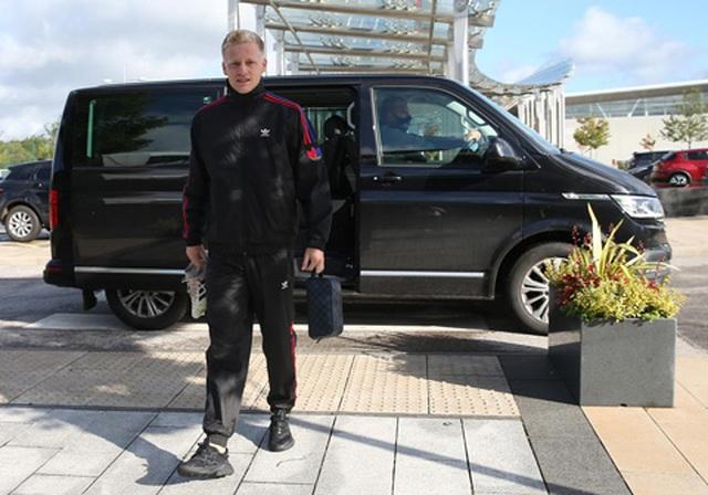 Van De Beek tràn đầy hưng phấn trong buổi tập đầu với Man Utd - 2