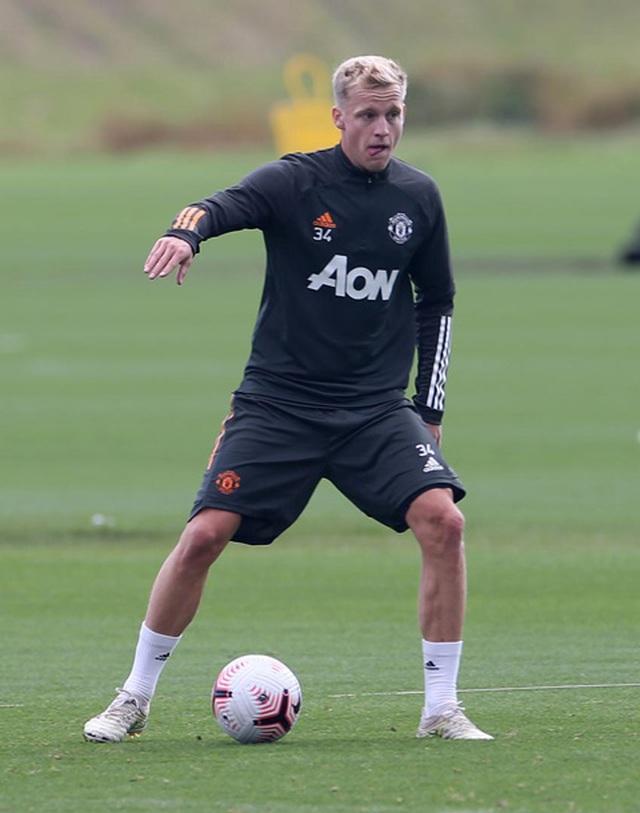 Van De Beek tràn đầy hưng phấn trong buổi tập đầu với Man Utd - 5