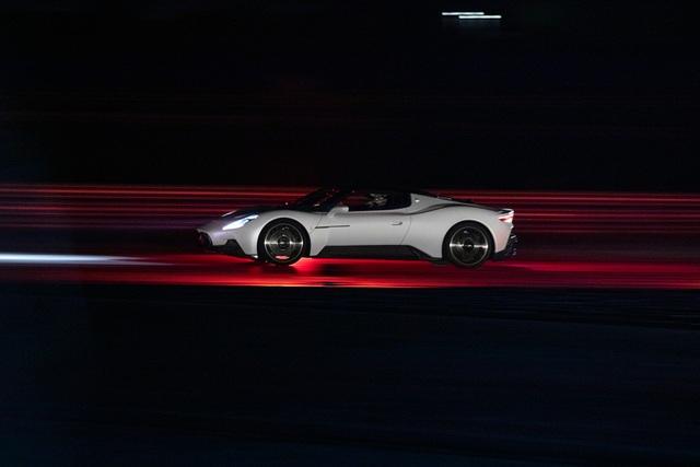 Siêu xe MC20 - Kỷ nguyên mới của Maserati - 29