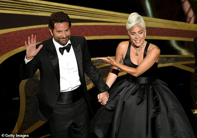 """Tài tử """"A Star Is Born"""" Bradley Cooper """"ngán"""" những mùa giải điện ảnh - 1"""