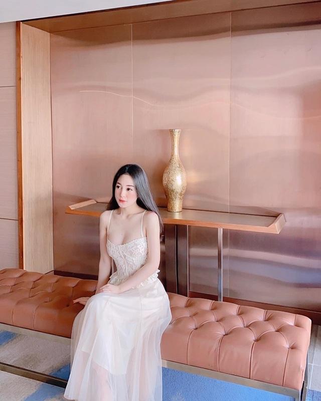3 bông hồng tiếp viên hàng không Việt xinh đẹp, nóng bỏng như người mẫu - 12