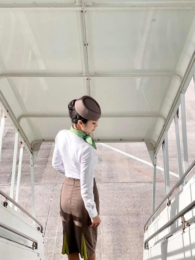 3 bông hồng tiếp viên hàng không Việt xinh đẹp, nóng bỏng như người mẫu - 9