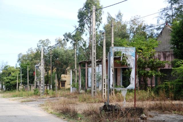 Khu du lịch biển Xuân Thành hoang tàn sau nhiều năm vắng bóng du khách - 7
