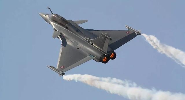 Ấn Độ biên chế 5 máy bay chiến đấu giữa lúc căng thẳng với Trung Quốc - 1