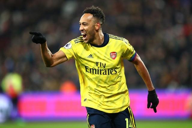 Vượt mặt Ozil, Aubameyang nhận lương kỷ lục ở Arsenal - 1