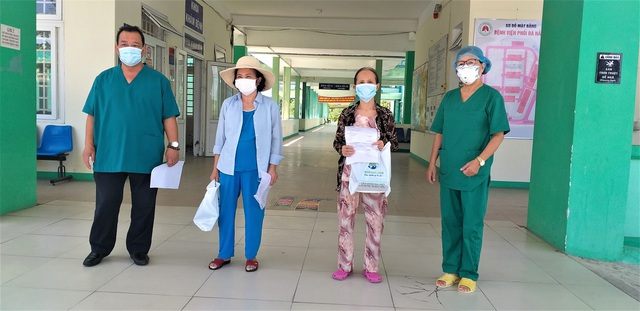 Bệnh nhân Covid-19 ra viện: Đau đớn vì không thể nhìn mặt chồng lần cuối - 1