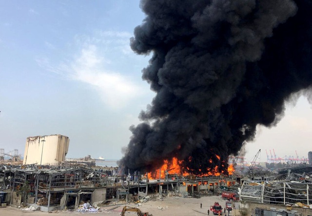 Cảng Beirut, Li Băng bốc cháy ngùn ngụt - 1