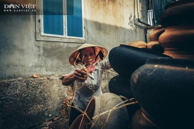 Làng nghề lâu đời, dân quanh năm chỉ nặn đất ra thứ nồi mong manh gây thương nhớ - 10
