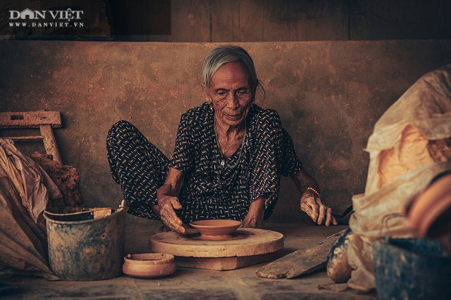 Làng nghề lâu đời, dân quanh năm chỉ nặn đất ra thứ nồi mong manh gây thương nhớ - 3