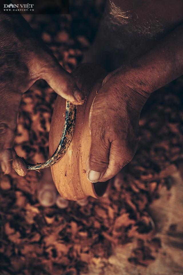 Làng nghề lâu đời, dân quanh năm chỉ nặn đất ra thứ nồi mong manh gây thương nhớ - 5