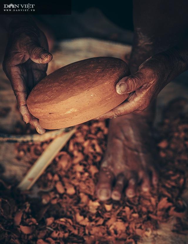 Làng nghề lâu đời, dân quanh năm chỉ nặn đất ra thứ nồi mong manh gây thương nhớ - 6