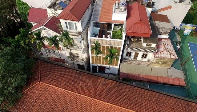 """Gia đình ở Hà Nội có cách chống nắng """"độc không ngờ"""" cho căn nhà hướng Tây - 1"""