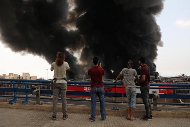 Cảng Beirut, Li Băng bốc cháy ngùn ngụt - 4