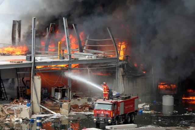 Cảng Beirut, Li Băng bốc cháy ngùn ngụt - 3