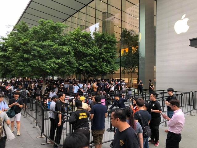 Dân buôn Việt nhận đặt trước iPhone 12, đoán giá hơn 100 triệu đồng - 2