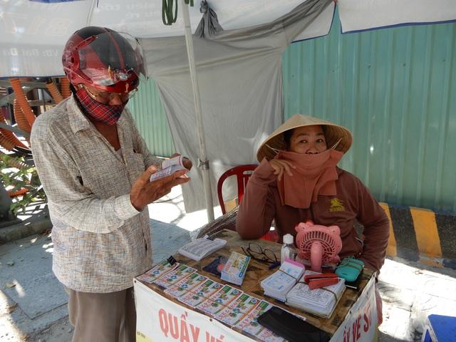 Đà Nẵng: Người lao động vui mừng trở lại công việc sau cách ly xã hội - 3