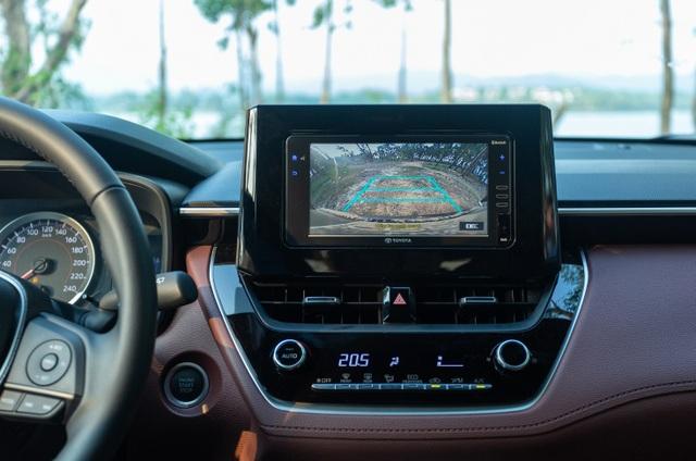 Corolla Cross 1.8G bản tiêu chuẩn được trang bị gì với mức giá 720 triệu? - 3