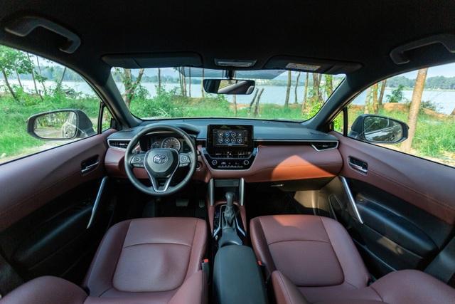 Corolla Cross 1.8G bản tiêu chuẩn được trang bị gì với mức giá 720 triệu? - 4