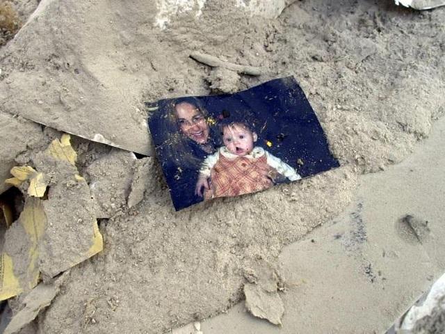 Nhìn lại những khoảnh khắc ám ảnh về vụ khủng bố 11/9 - 12
