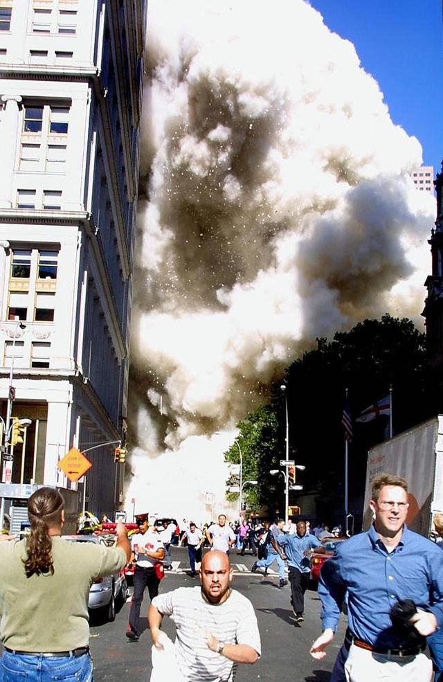 Nhìn lại những khoảnh khắc ám ảnh về vụ khủng bố 11/9 - 7