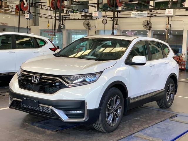 10 ô tô bán chạy nhất tháng 8: Hyundai i10 đòi lại vị trí từ VinFast Fadil - 2