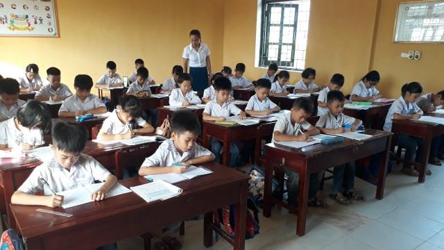 Ninh Bình: Nhiều học sinh đã trở lại trường sau khi phụ huynh phản đối - 5