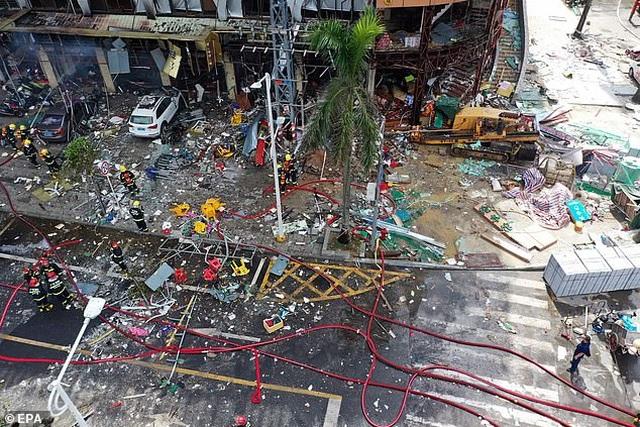 Vụ nổ kinh hoàng phá nát khách sạn ở Trung Quốc - 1