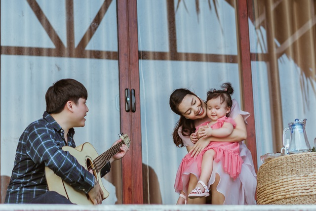 Nguyễn Ngọc Anh chính thức công khai chồng kém tuổi và hai con gái - 2