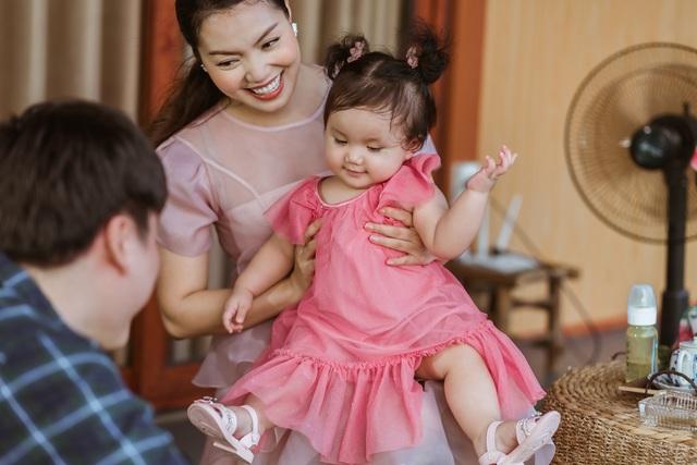 Nguyễn Ngọc Anh chính thức công khai chồng kém tuổi và hai con gái - 1