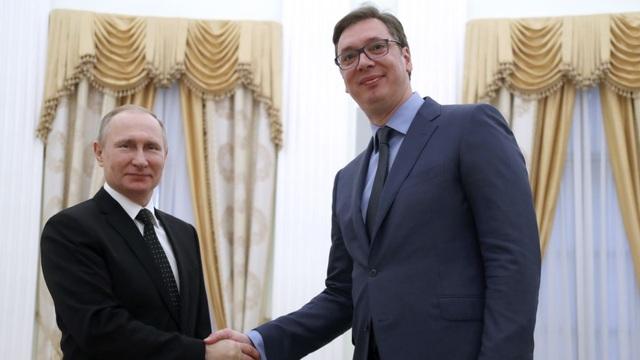 Ông Putin đích thân xin lỗi Tổng thống Serbia vì một bức ảnh - 1