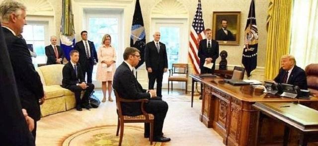Ông Putin đích thân xin lỗi Tổng thống Serbia vì một bức ảnh - 2