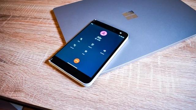 Chùm ảnh thực tế chiếc smartphone 2 màn hình Surface Duo của Microsoft - 10