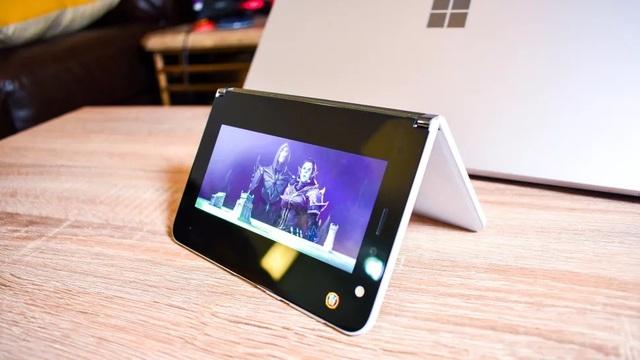 Chùm ảnh thực tế chiếc smartphone 2 màn hình Surface Duo của Microsoft - 9