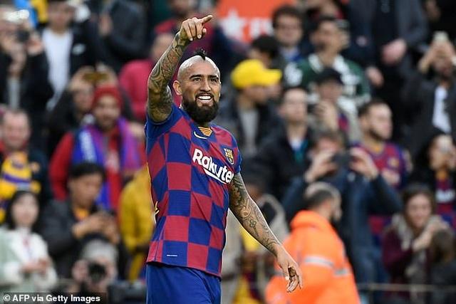 Barcelona chưa thể bán Vidal cho Inter, nhận cảnh báo về Depay - 1