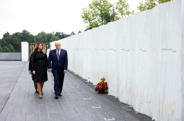 Ông Trump ca ngợi 40 người hùng đối đầu những kẻ khủng bố vụ 11/9 - 1