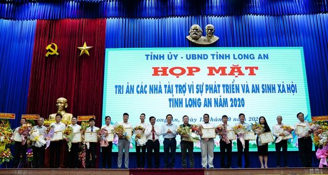 Bộ trưởng Đào Ngọc Dung tặng 300 triệu đồng giúp người có công xây nhà - 1