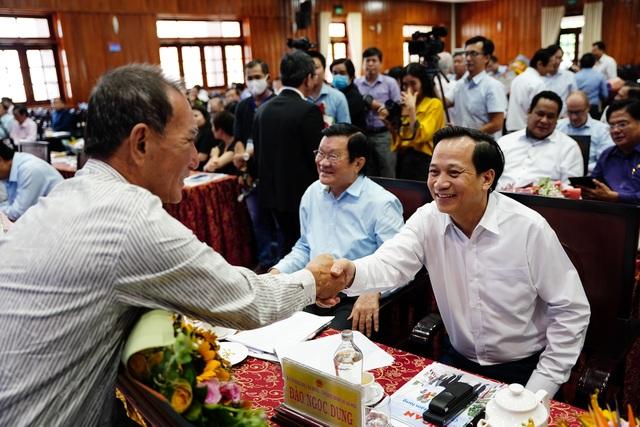 Bộ trưởng Đào Ngọc Dung tặng 300 triệu đồng giúp người có công xây nhà - 10